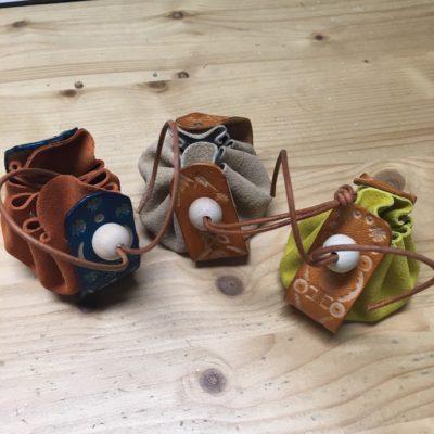 Bourse en croûte de cuir et Bracelet en cuir