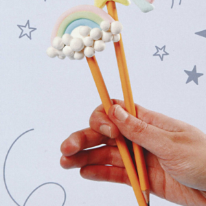 B – Pochette créative : les crayons